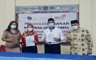 SMK Al-Muhtadin Kerjasama Dengan PT. Telkom